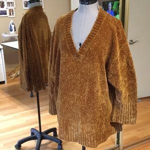Cozy Rich Gold Chenille Sweater Excellent Medium